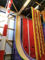 Installation Clip 'n Climb au Funny Mountain Arlon (Belgique)